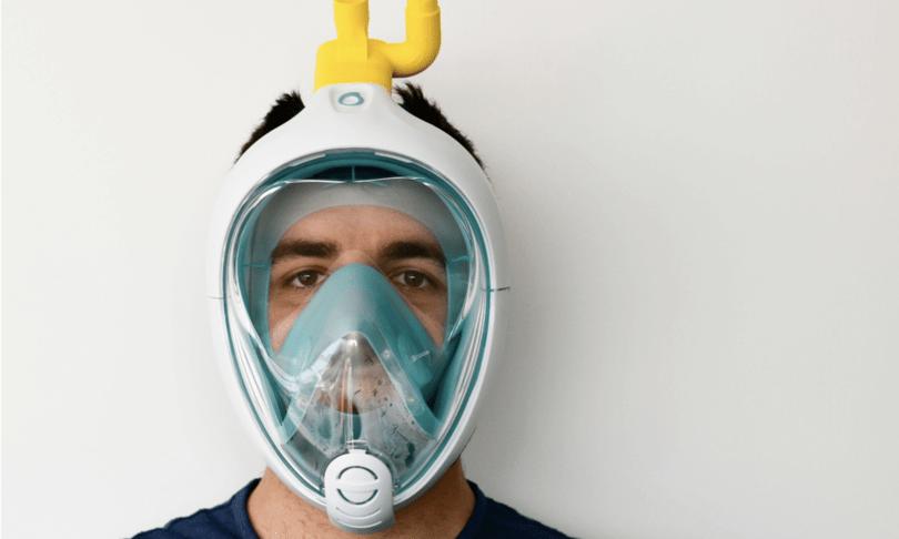 La maschera da snorkeling convertita a respiratore